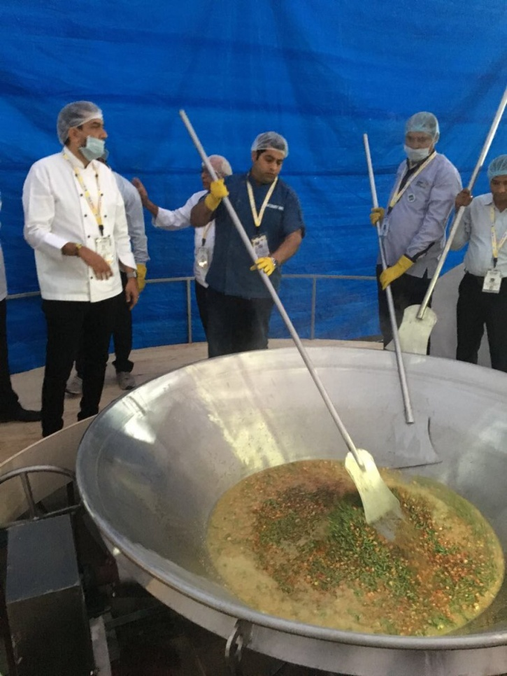Cooking 800 Kgs Of Khichdi 1