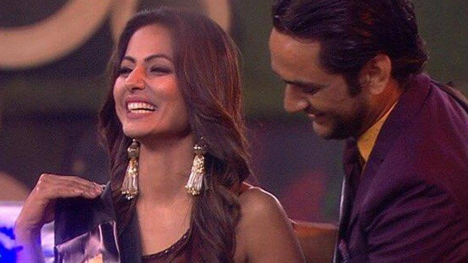 Hina Khan bags the 'Drama Queen' award on Bigg Boss 11. (1)