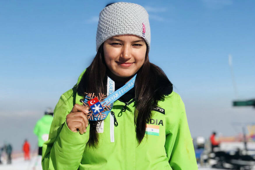 India's Aanchal Thakur shows off her Bronze Medal (1)