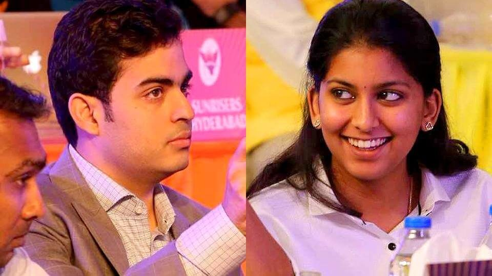 Jhanvi (right) daughter of Juhi Chawla and Akash son of Nita Ambani grabbed a lot of attention in the IPL auction 2018 in Bangalore (1)