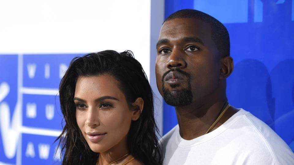 Kim Kardashian West announced daughter via surrogate (1)