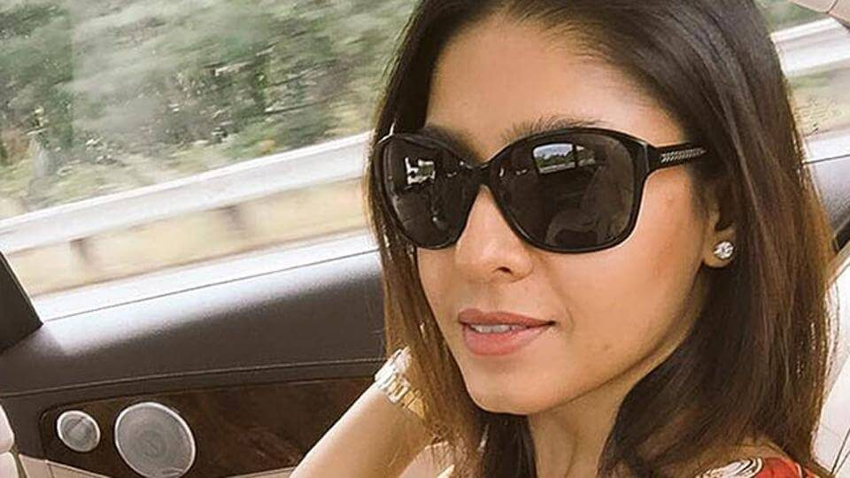 Sunidhi Chauhan welcomes her first child a baby boy on Monday (1)