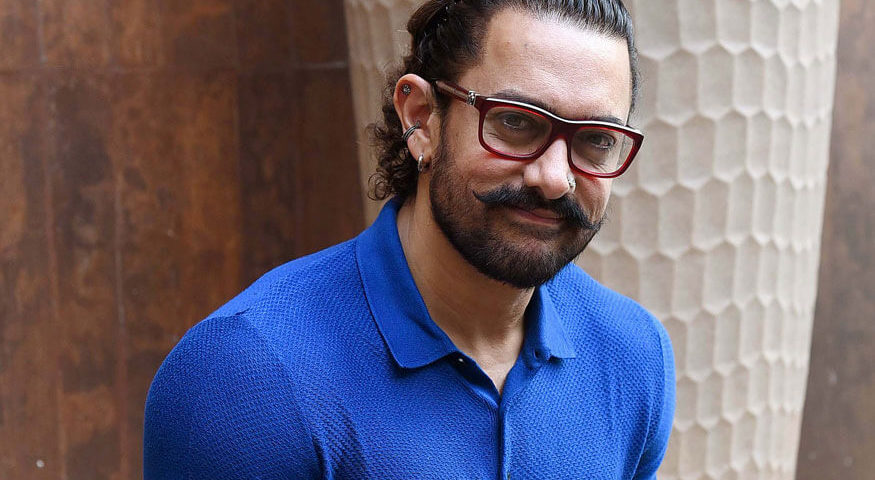 Aamir challenges the other Khans and Big B himself (1)