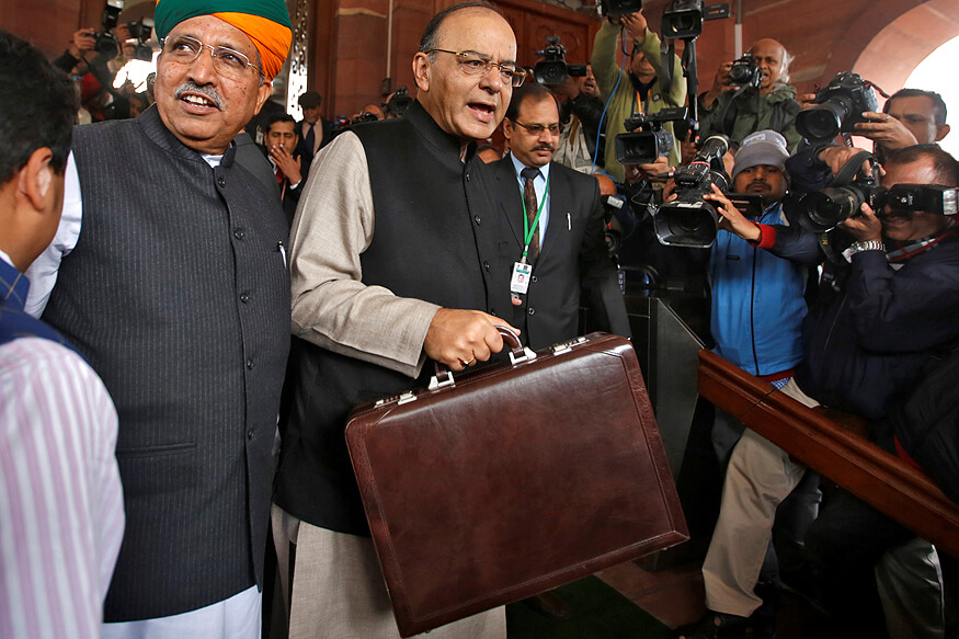 Finance Minister Arun Jaitley reaching the parliament to announce the Union Budget of 2017 (1)
