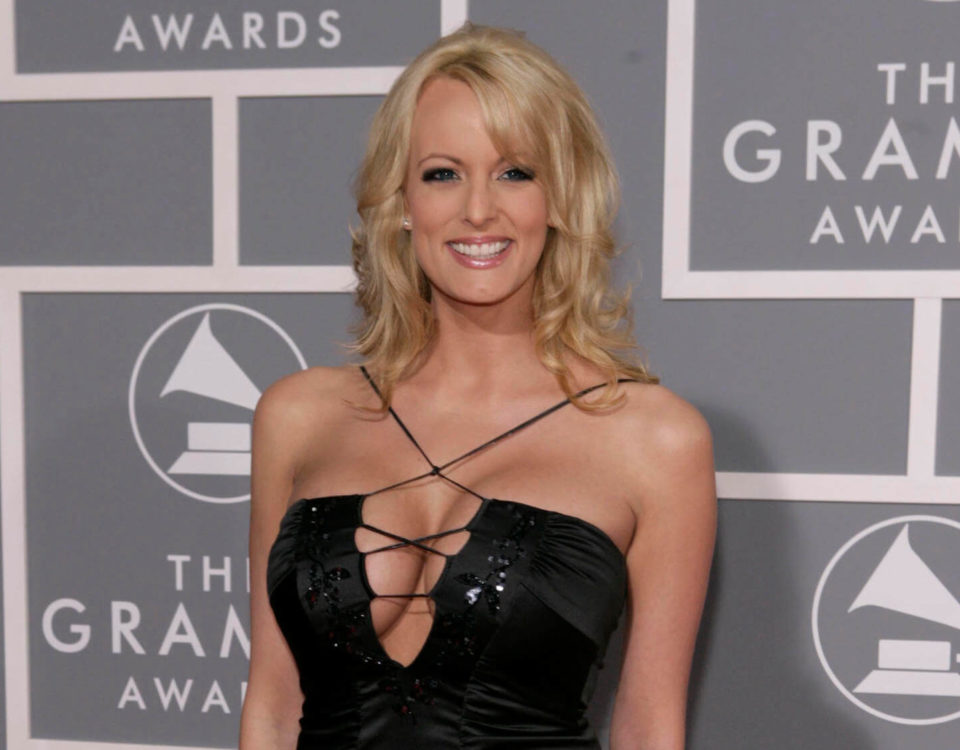 Stormy Daniels arrives for the 49th Annual Grammy Awards in Los Angeles (1)